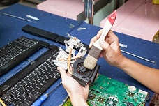 Chi phí sửa chữa và thay thế link kiện laptop hợp lý
